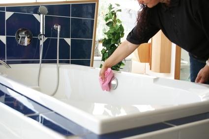 Badezimmer richtig putzen - so geht\'s am besten