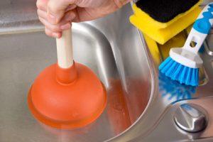 Abfluss verstopft: Wie das Siphon reinigen?