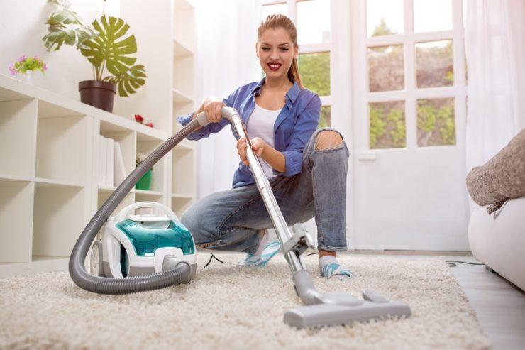 Teppich bzw. Teppichboden richtig reinigen - wie? - Putzen.de