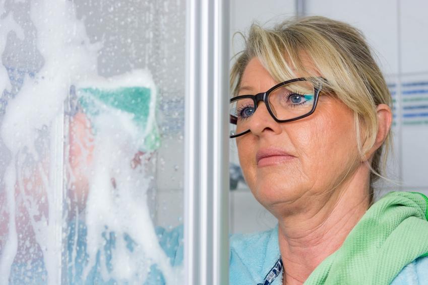 kalk entfernen in der dusche so geht 39 s richtig und effektiv. Black Bedroom Furniture Sets. Home Design Ideas