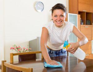 Möbelpflege: Holzmöbel reinigen und pflegen - wie?
