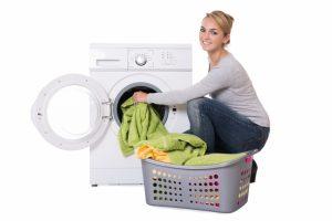 Stockflecken und Schimmel aus Kleidung entfernen