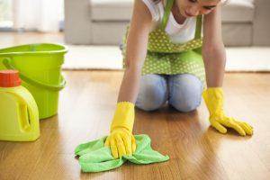Parkett reinigen und pflegen