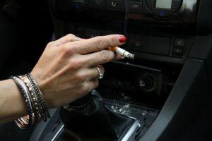 Schlechte Gerüche aus dem Auto entfernen