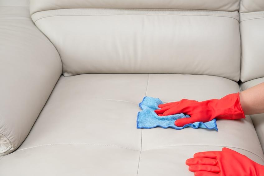 fettflecken aus lederm bel entfernen. Black Bedroom Furniture Sets. Home Design Ideas