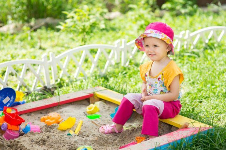 Sandkasten reinigen und sauber halten